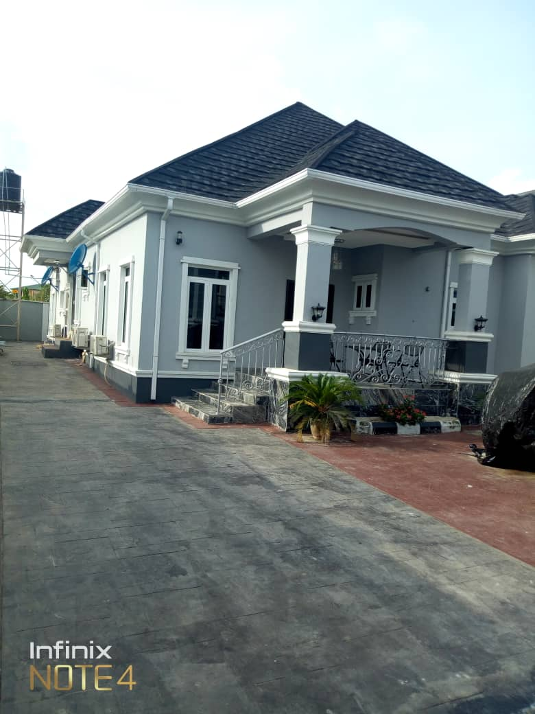 Luxurious Fully Furnished  6 Bedroom Bungalow For Sale