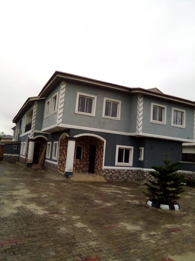 SPACIOUS 4 BEDROOM DUPLEX WITH A BQ FOR RENT IN THOMAS ESTATE, AJAH LAGOS.