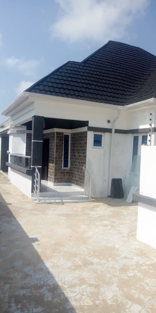 FOR SALE: A BEAUTIFUL 3 BEDROOM BUNGALOW WITH BQ INSIDE AN ESTATE IN AJAH, LAGOS.