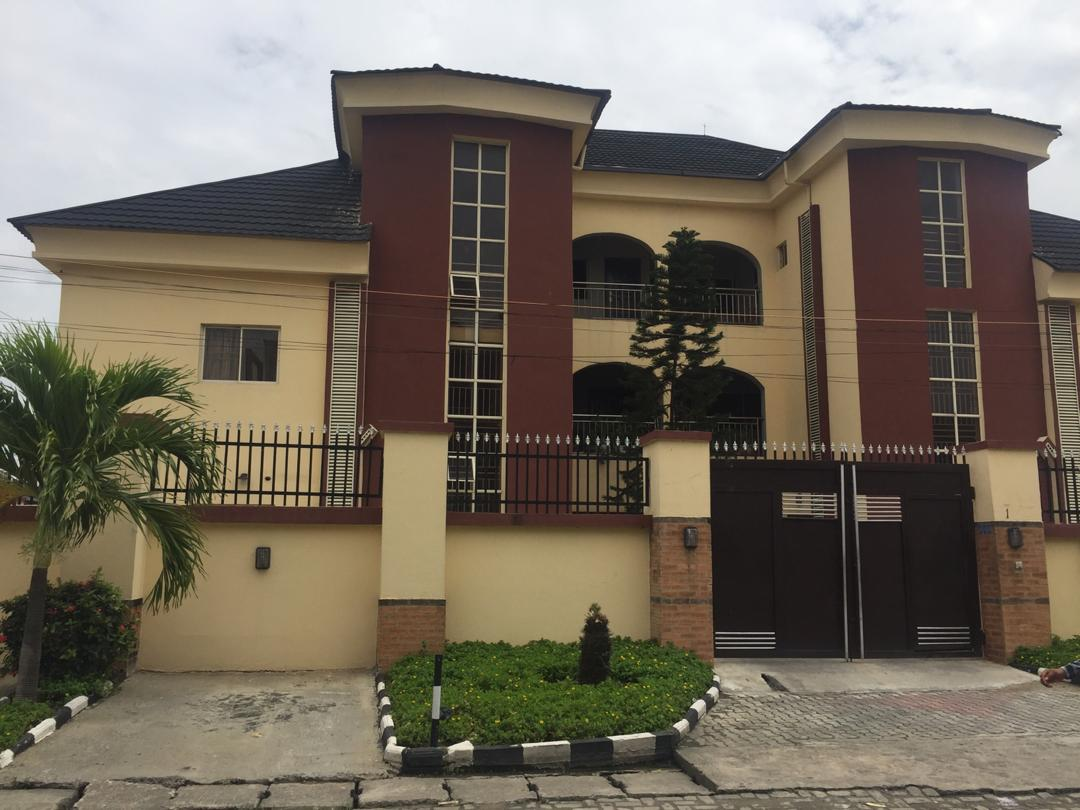 For Rent: 3 Bedroom Luxurious Flat In Lekki Phase 1