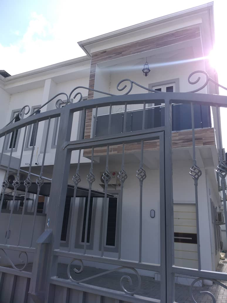 FOR SALE: Neatly Finished 4 Bedroom Semi Detached Duplex With BQ By Chevron, 2nd Toll-Gate