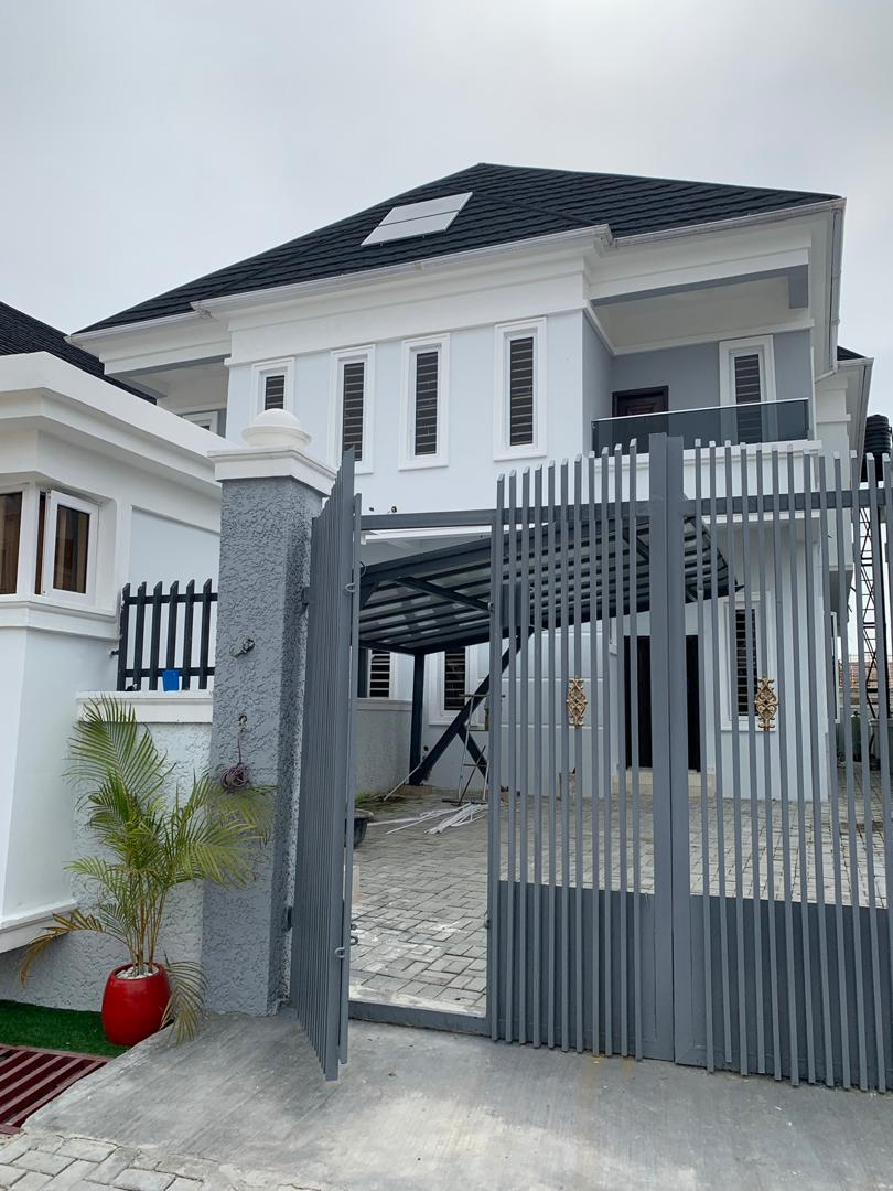 4 Bedroom Spacious Semi Detached Duplex For Sale.