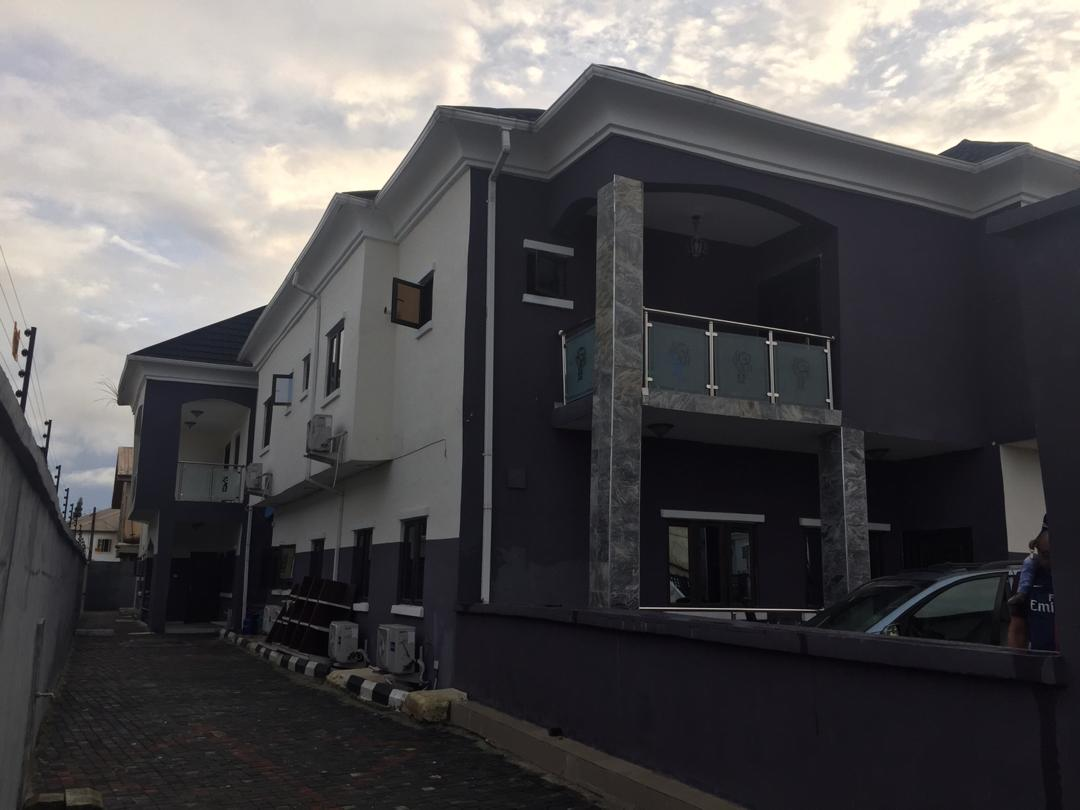 For Rent: 5 Bedroom Semi Detached Duplex In Thomas Estate Ajah, Lagos