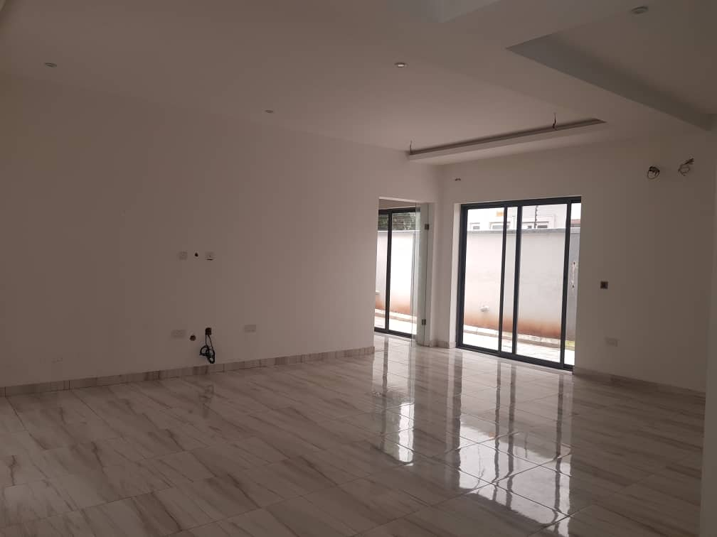 A Tastefully Finish 4 Bedroom Detached House with BQ In Lekki phase 1.