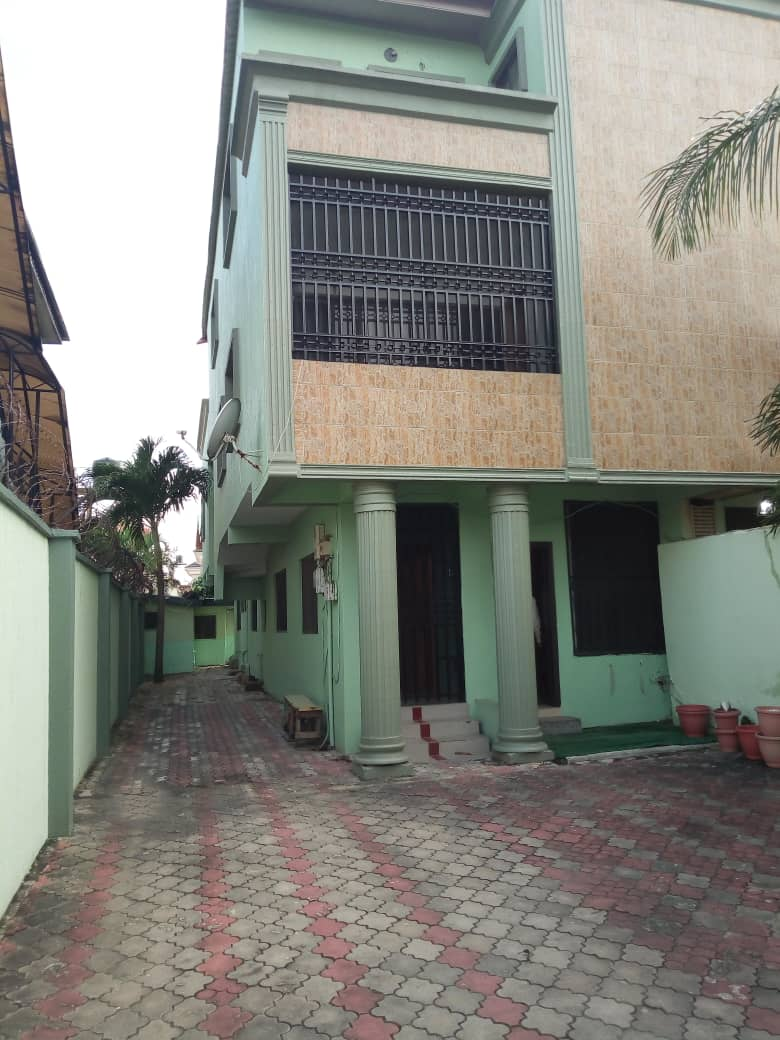 Well Furnished 2 Bedroom Apartment in Lekki Phase 1