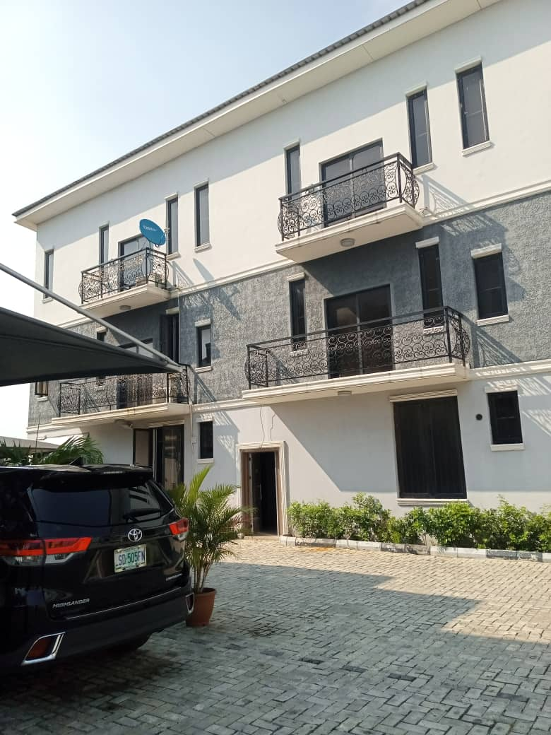 For Sale: 4 bedroom  terrace apartment with BQ