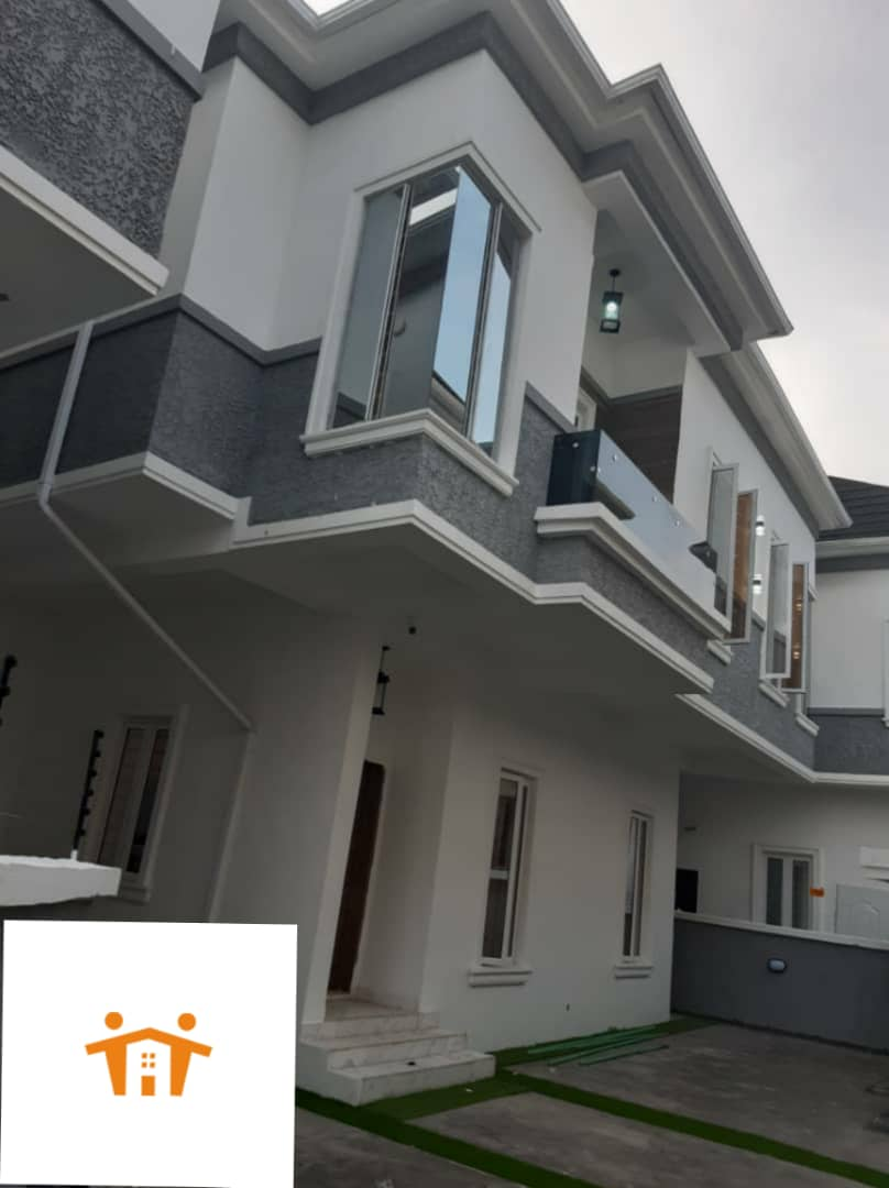 Tastefully finished 5 bedroom fully detached duplex with BQ.