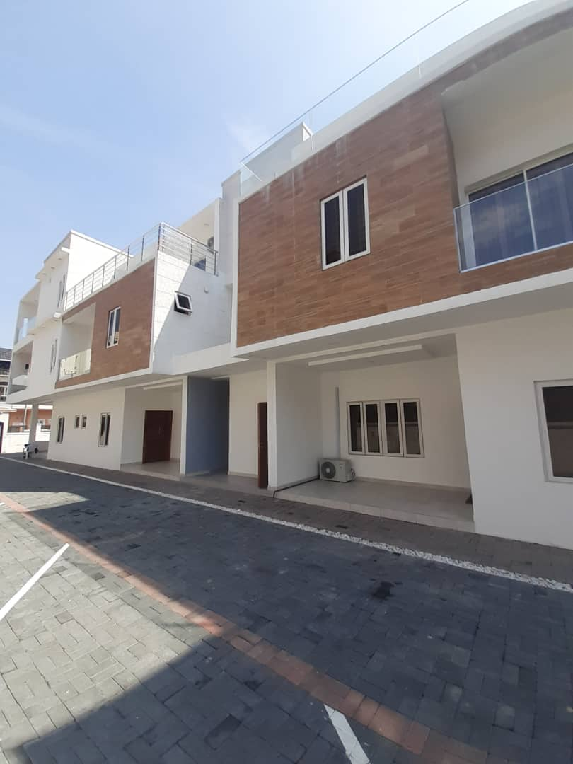Luxurious 3 bed terraced duplex For Sale
