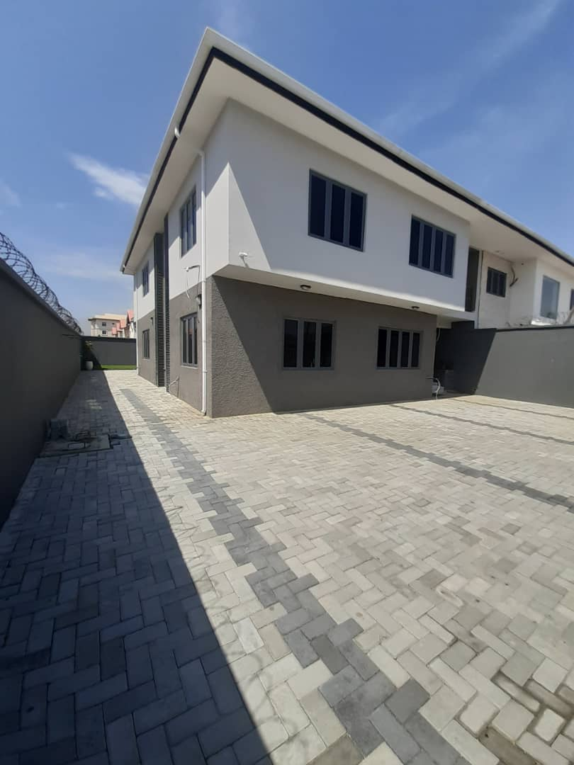 Brand new 4 Bedroom semi detached duplex with BQ