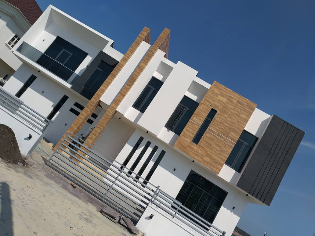 5 Bedroom Luxury Fully Detached Duplex with BQ for sale!