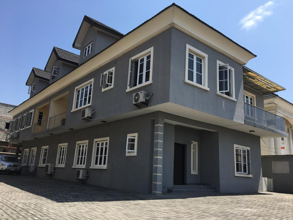 Exclusively and well finished 4bedroom terrace in lekki
