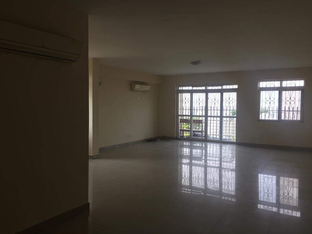 Exclusively and well finished 3bedroom flat in lekki phase 1